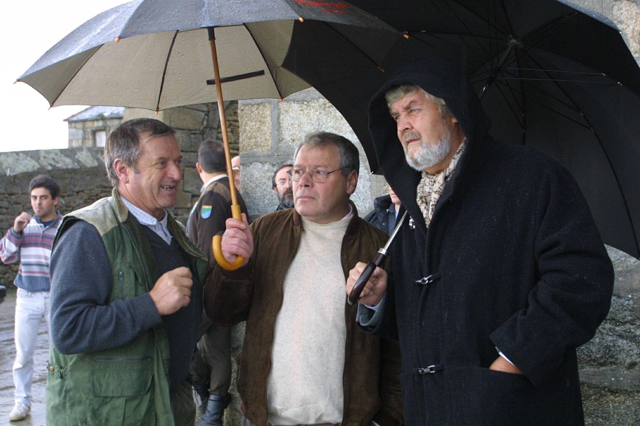 Xosé Manuel Beiras fue el primer político que visitó la zona del accidente. <br><b>José Manuel Casal</b>