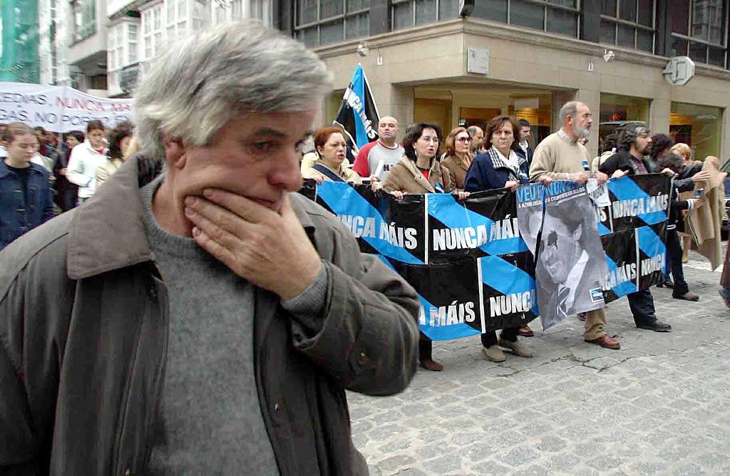 21/12/02 <br>Desolación y protesta en las manifestaciones tras el distintivo de Nunca Máis en Ferrol <br>José Pardo