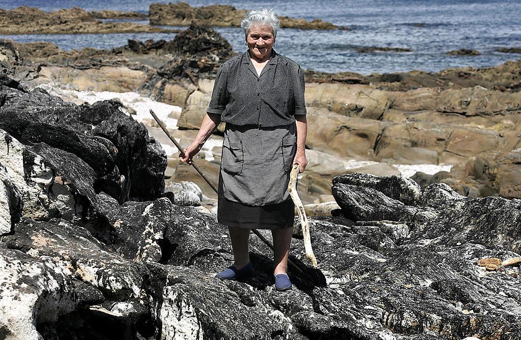 18/05/2006  <br>Más de cuatro años después, las rocas de la isla de Ons muestran sus cicatrices <br>Vítor Mejuto