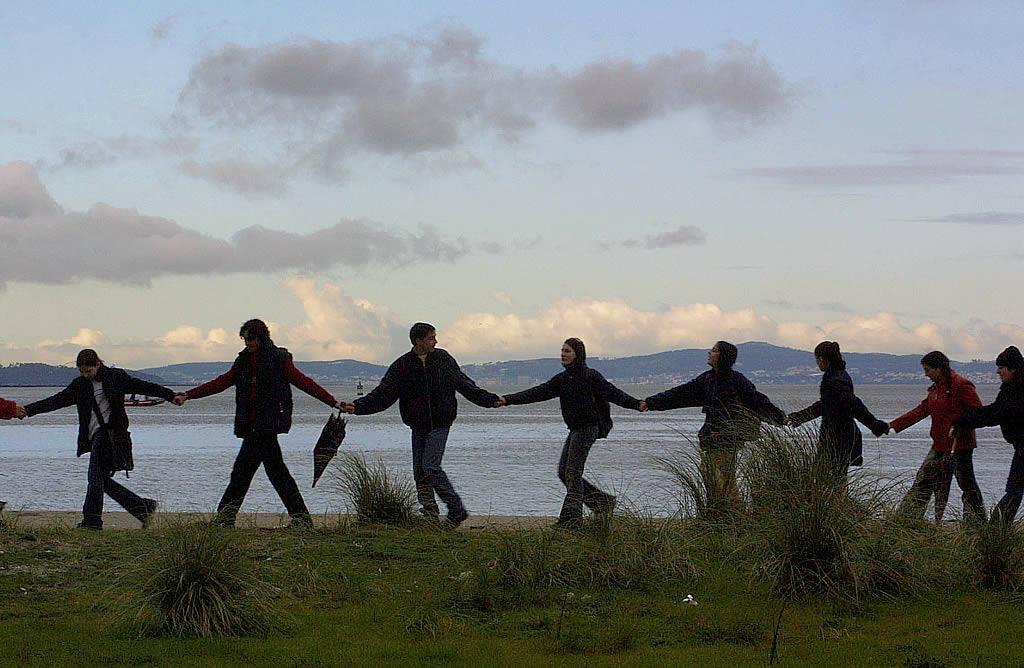 La cadena humana también se realizó en O Grove. <br><b>Vítor Mejuto</b>