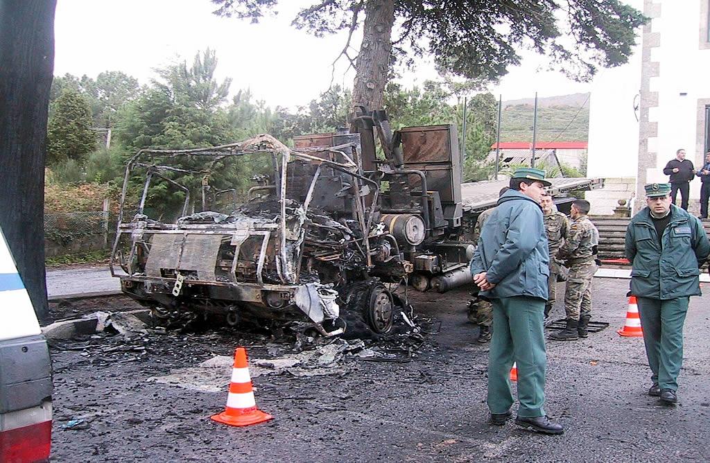 Atentado contra un vehículo militar en Carnota <br>Sande