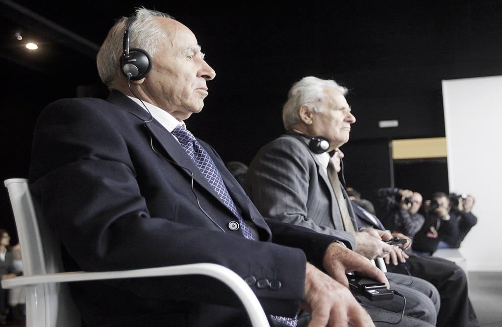 El capitán, Apostolos Mangouras, y el jefe de máquinas, Nikolaos Argyropoulos. <br><b>Gustavo Rivas</b>
