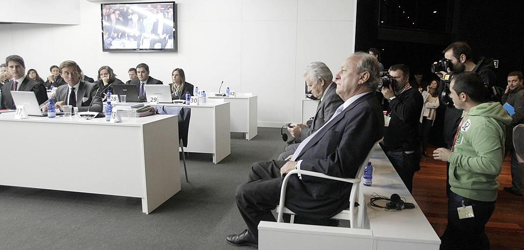 En primer plano, José Luis López Sors, exdirector de la Marina Mercante.<br><b>Gustavo Rivas</b>